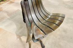 Arts in Dubai, kendi oturan koltuk
